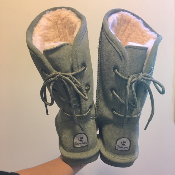 BearPaw Shoes | Olive Green Laceup